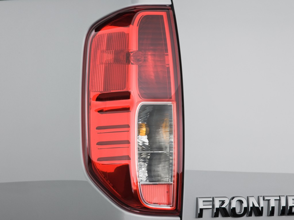 Image 2010 Nissan Frontier 2wd Crew Cab Swb Auto Se Tail Light Size 1024 X 768 Type Gif