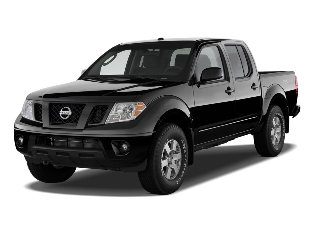 2010 Nissan Frontier 4WD Crew Cab SWB Auto PRO-4X Angular Front Exterior View