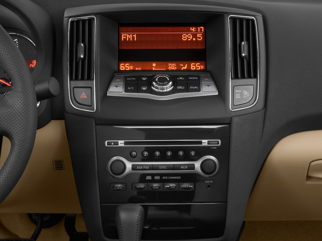 Image: 2010 Nissan Maxima 4-door Sedan V6 CVT 3.5 S ...