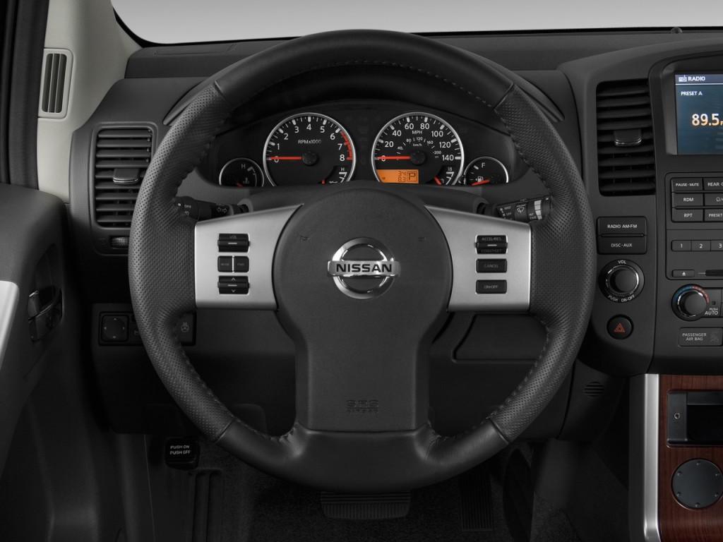 image 2010 nissan pathfinder 4wd 4 door v8 le steering wheel size 1024 x 768 type gif. Black Bedroom Furniture Sets. Home Design Ideas