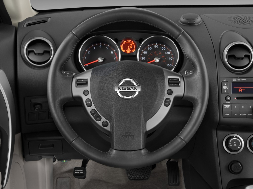 Image 2010 Nissan Rogue FWD 4 door SL Steering Wheel