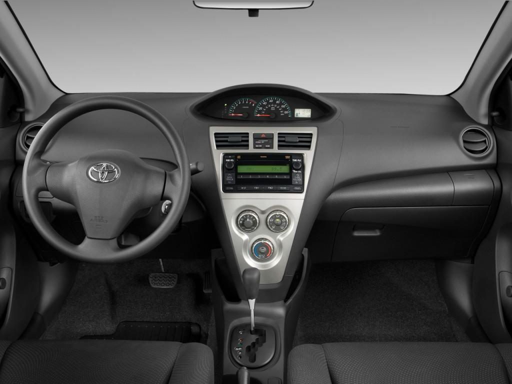 Image 2010 Toyota Yaris 4 Door Sedan Auto Natl