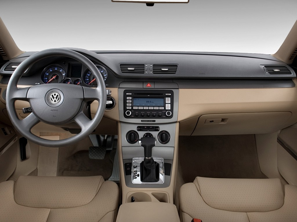 Image 2010 Volkswagen Passat Sedan 4 Door Dsg Komfort Fwd
