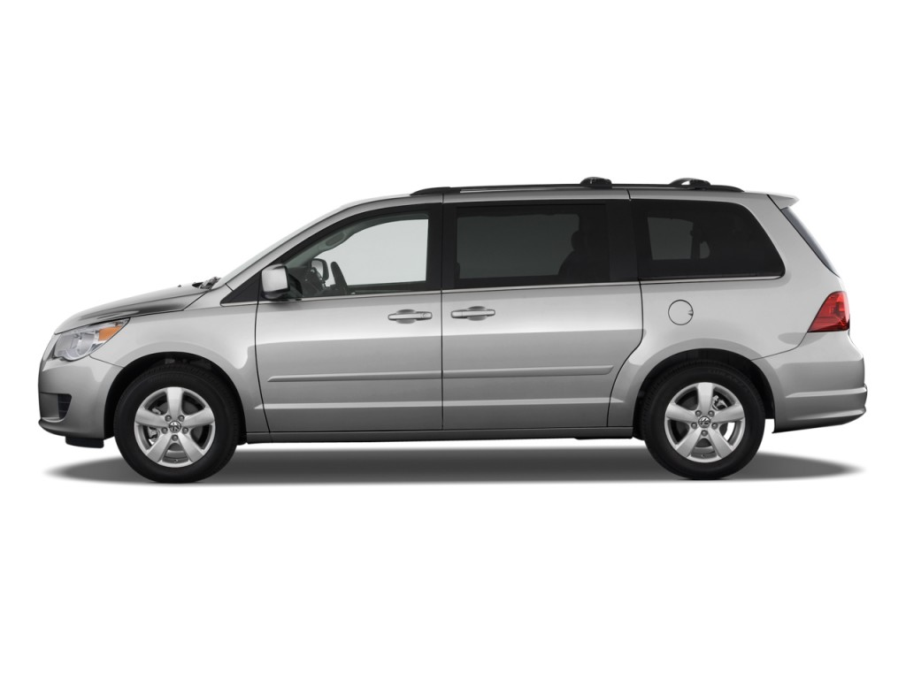 2010 Volkswagen Routan 4-door Wagon SE Side Exterior View