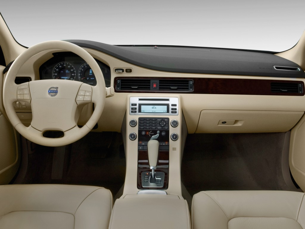 Volvo S Door Sedan I Fwd Dashboard L