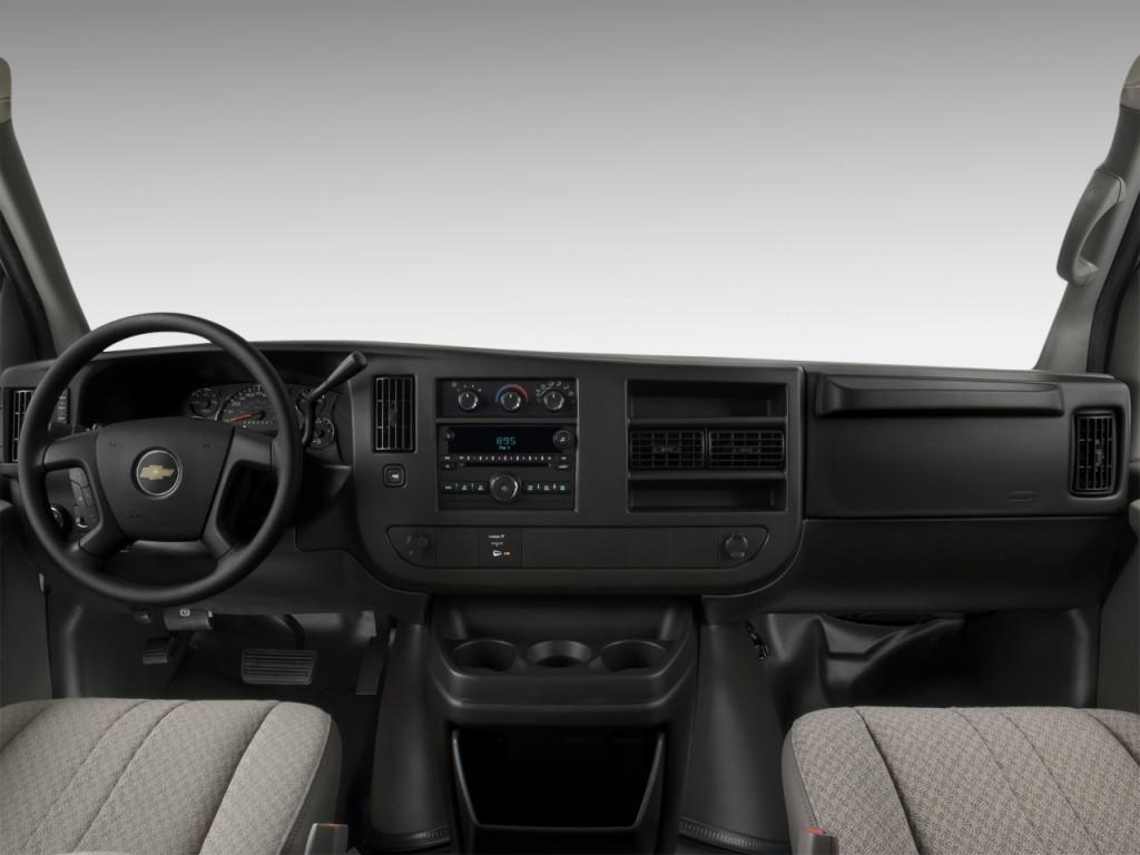 Image: 2011 Chevrolet Express Cargo Van RWD 2500 135 ...