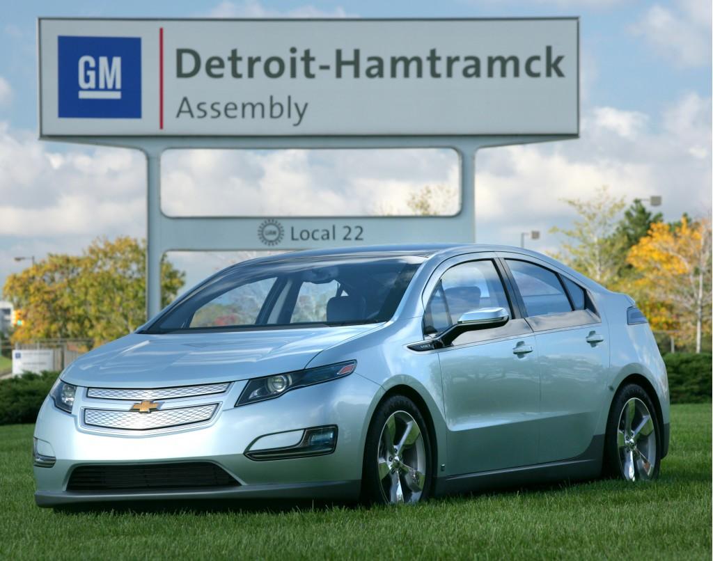 Trending In Social Media This Week: Chevrolet Volt Hits The Street, Chrysler And Volkswagen