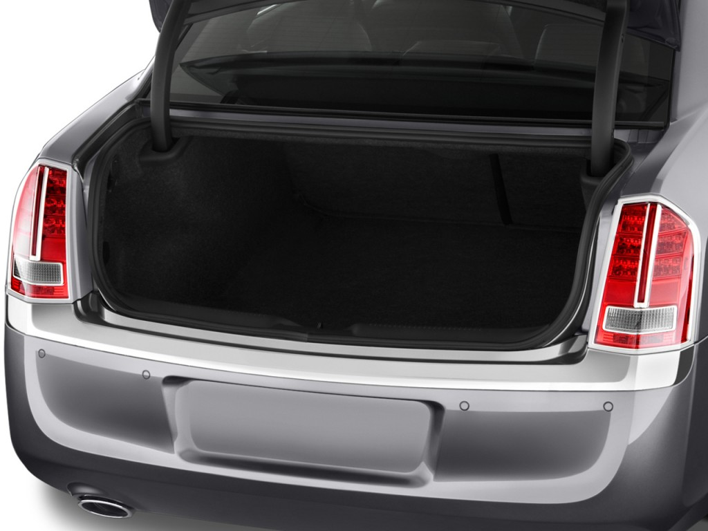 image 2011 chrysler 300 4 door sedan 300c rwd trunk size. Black Bedroom Furniture Sets. Home Design Ideas