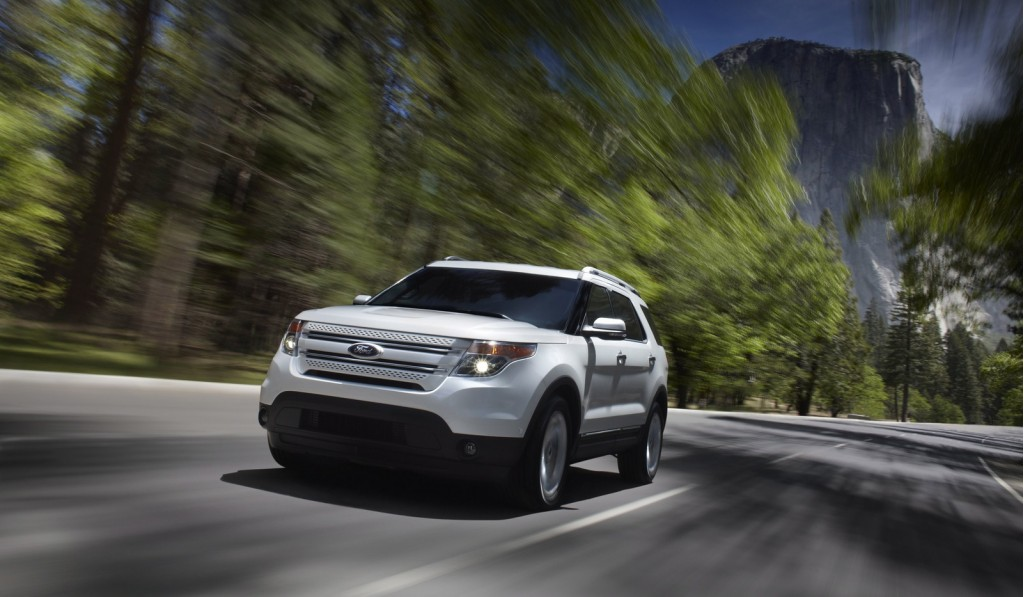 ford announces 2011 explorer fuel economy via facebook youtube. Cars Review. Best American Auto & Cars Review