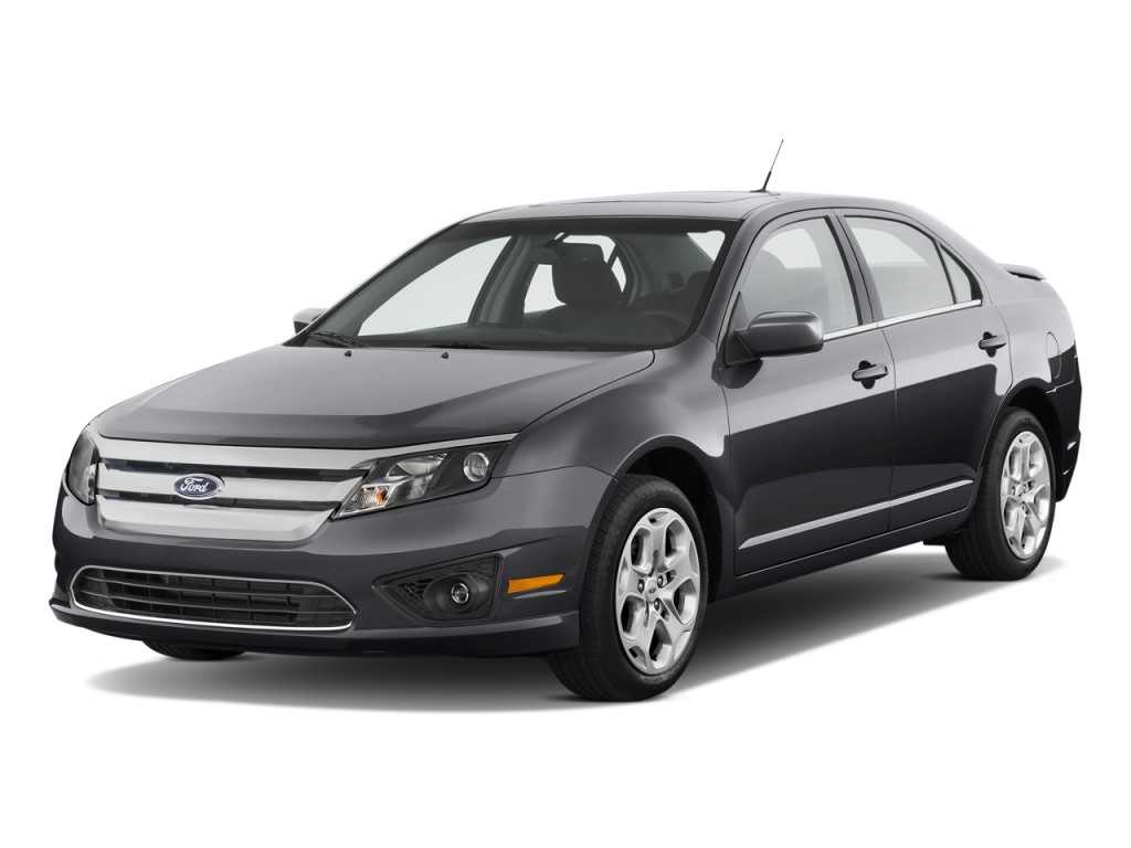 2011 Ford Fusion 4-door Sedan SE FWD Angular Front Exterior View