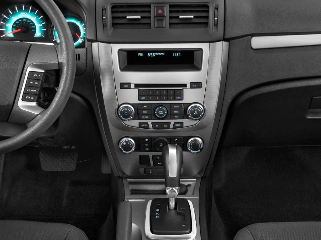 2011 ford fusion 4 door sedan se fwd instrument panel
