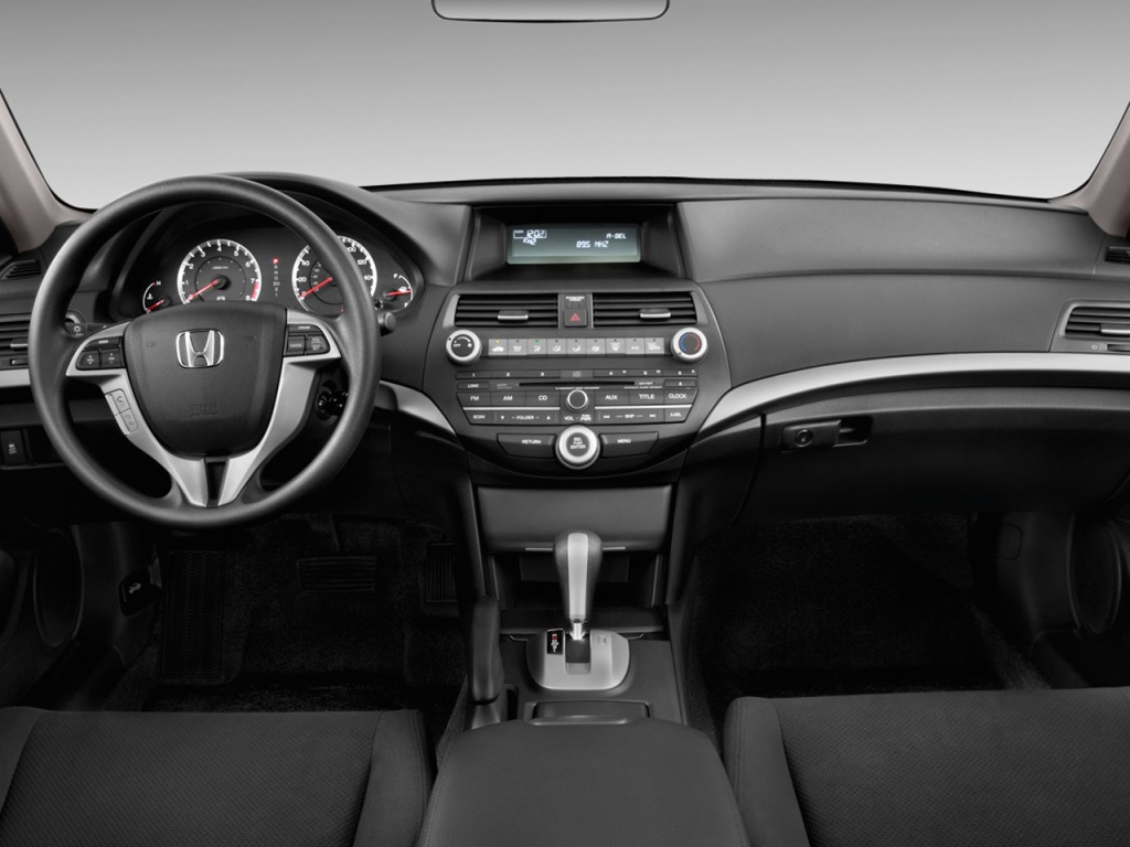 Image: 2011 Honda Accord Coupe 2-door I4 Auto EX Dashboard ...