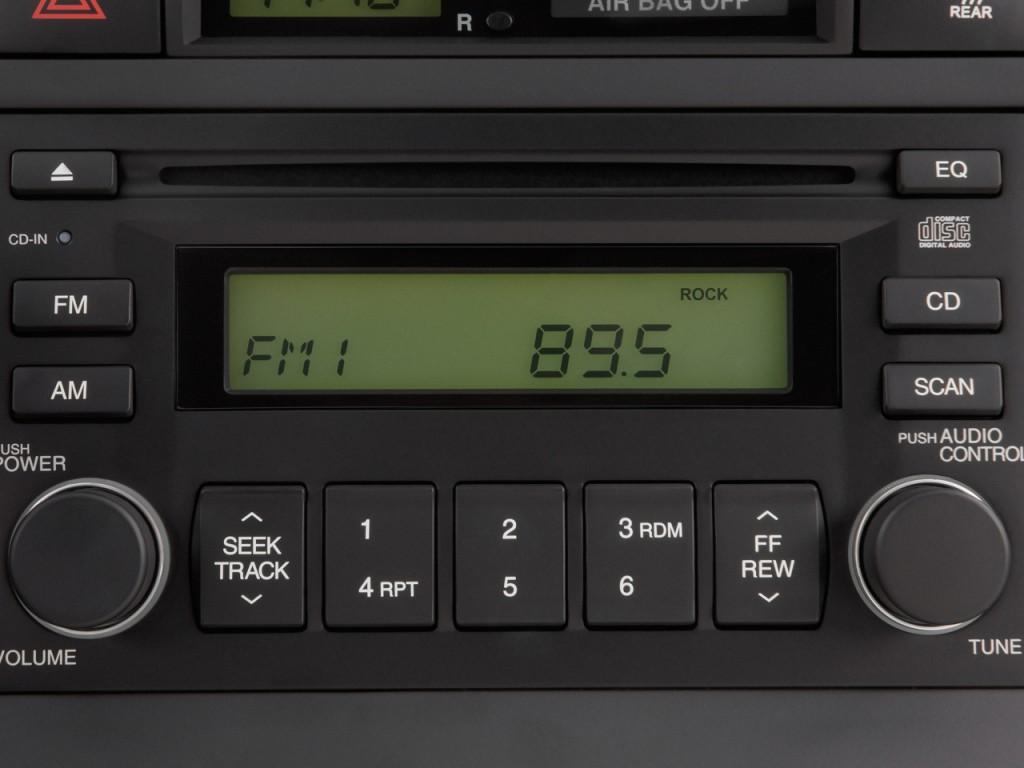 Image 2011 Hyundai Accent 4 Door Sedan Auto Gls Audio