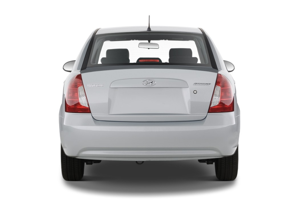 Image 2011 hyundai accent 4 door sedan auto gls rear for Rear exterior door