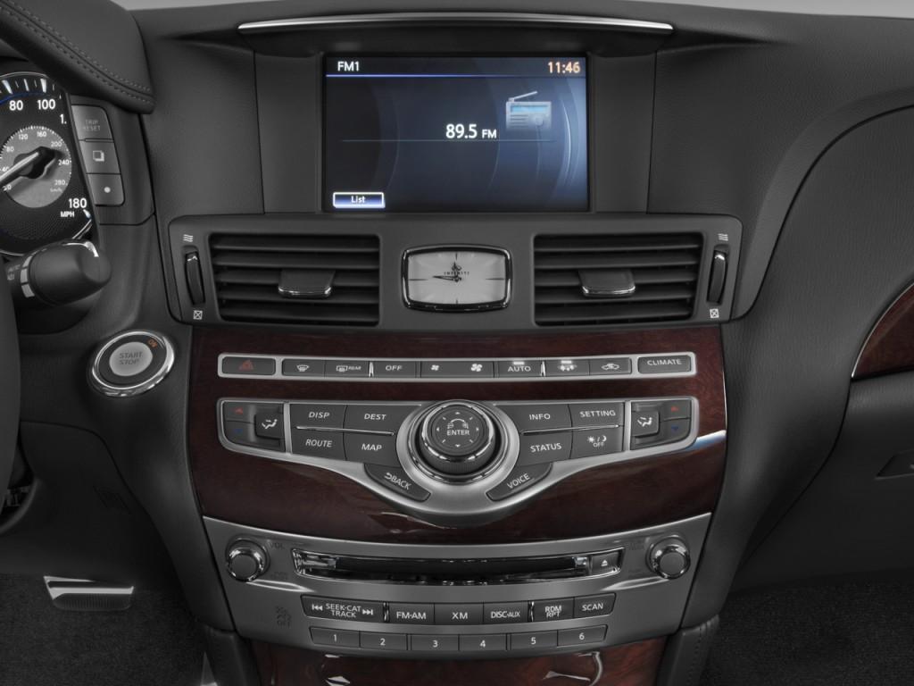 2011 Infiniti M37 4-door Sedan RWD Audio System