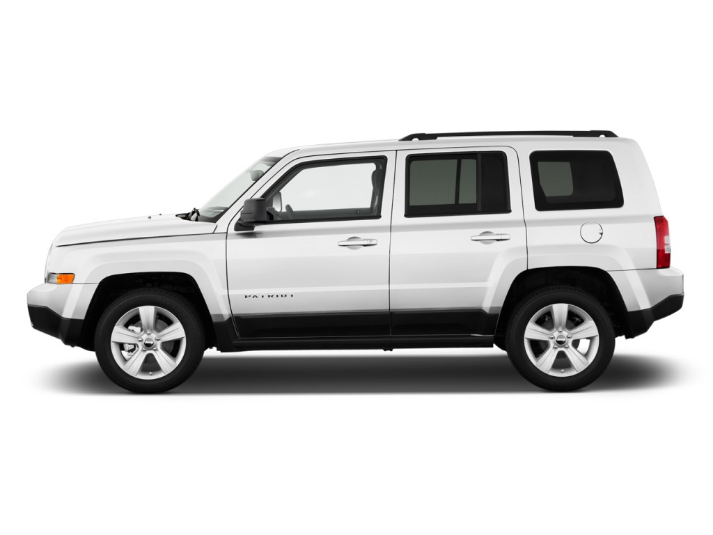 image 2011 jeep patriot fwd 4 door latitude side exterior. Black Bedroom Furniture Sets. Home Design Ideas