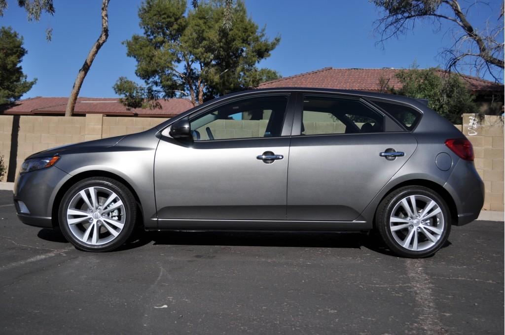2011 Kia Forte 5-Door SX