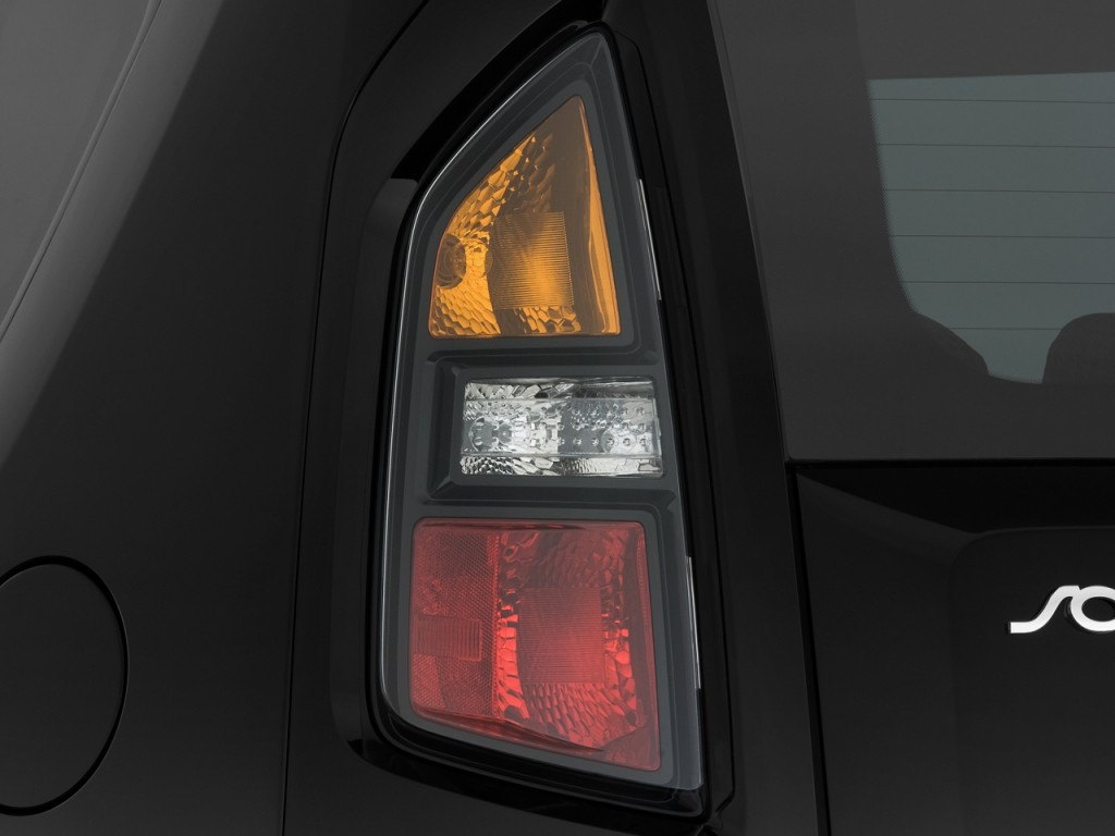 2011 Kia Soul 5dr Wagon Auto ! Tail Light