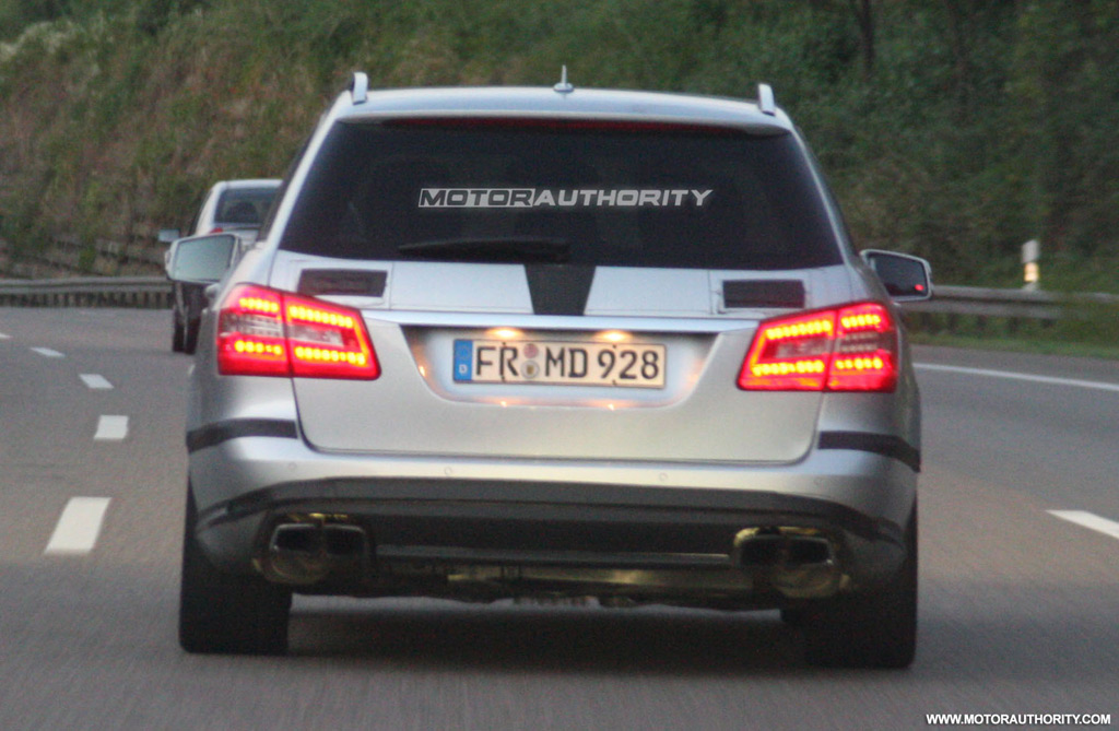 Image 2011 mercedes benz e63 amg estate spy shots size for 2011 mercedes benz e63 amg