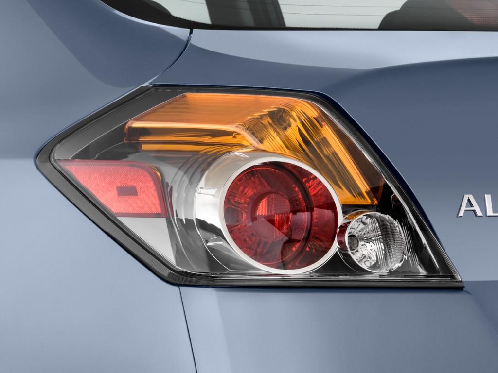 Image 2011 Nissan Altima 4 Door Sedan I4 Cvt 2 5 S Tail