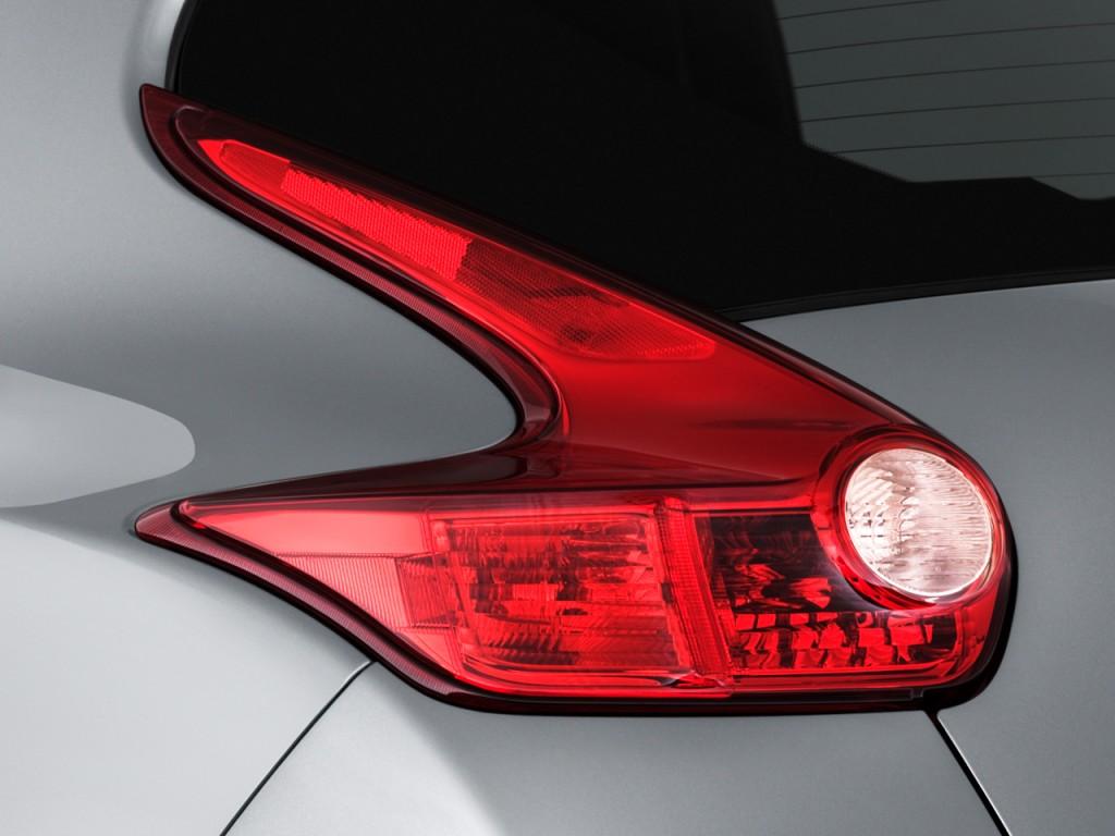 Image: 2011 Nissan Juke AWD 5dr Wagon I4 CVT SV Tail Light ...