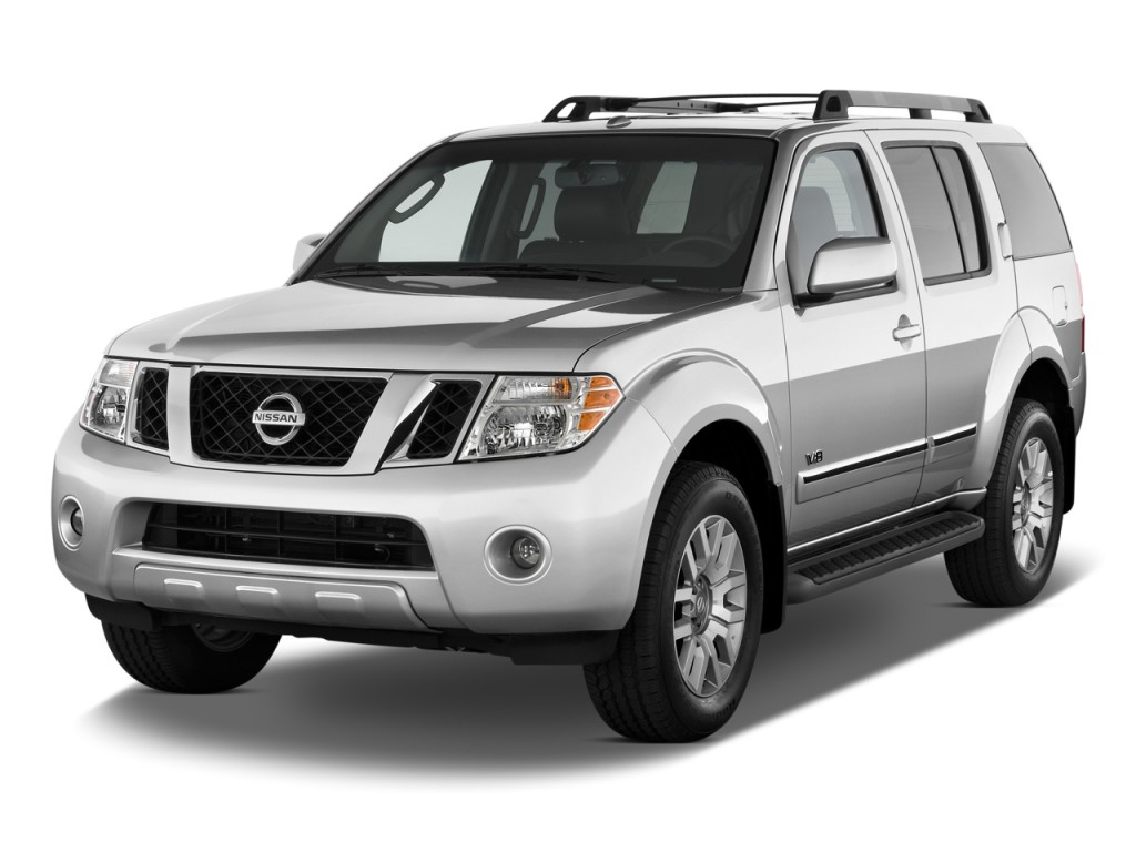 2011 Nissan Pathfinder 4WD 4-door V8 LE Angular Front Exterior View