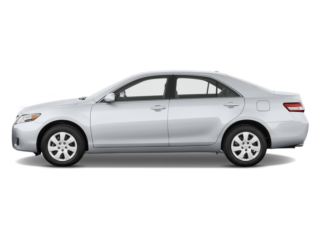 2011 Toyota Camry 4-door Sedan V6 Auto LE (Natl) Side Exterior View