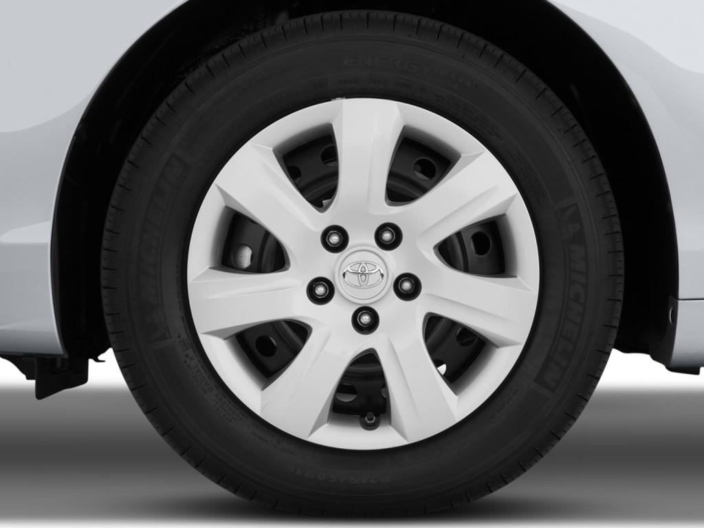 Image 2011 Toyota Camry 4 Door Sedan V6 Auto Le Natl