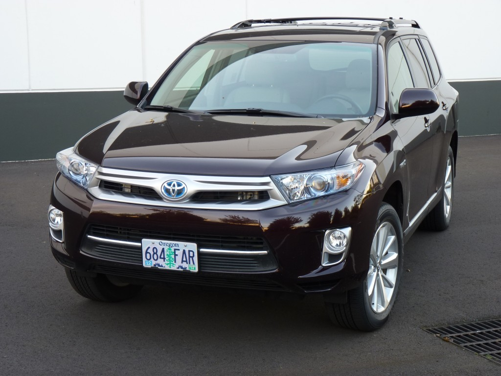 2011 Toyota Highlander Hybrid  -  Driven, May 2011