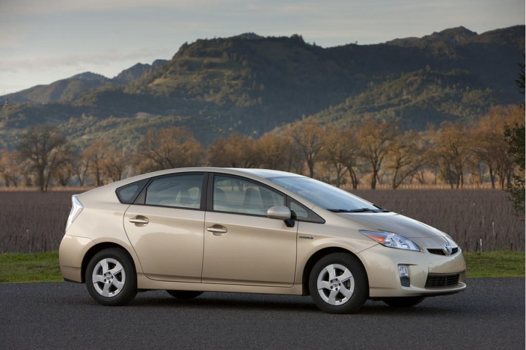 Toyota To Offer AC Outlets On Prius, Starting In Japan