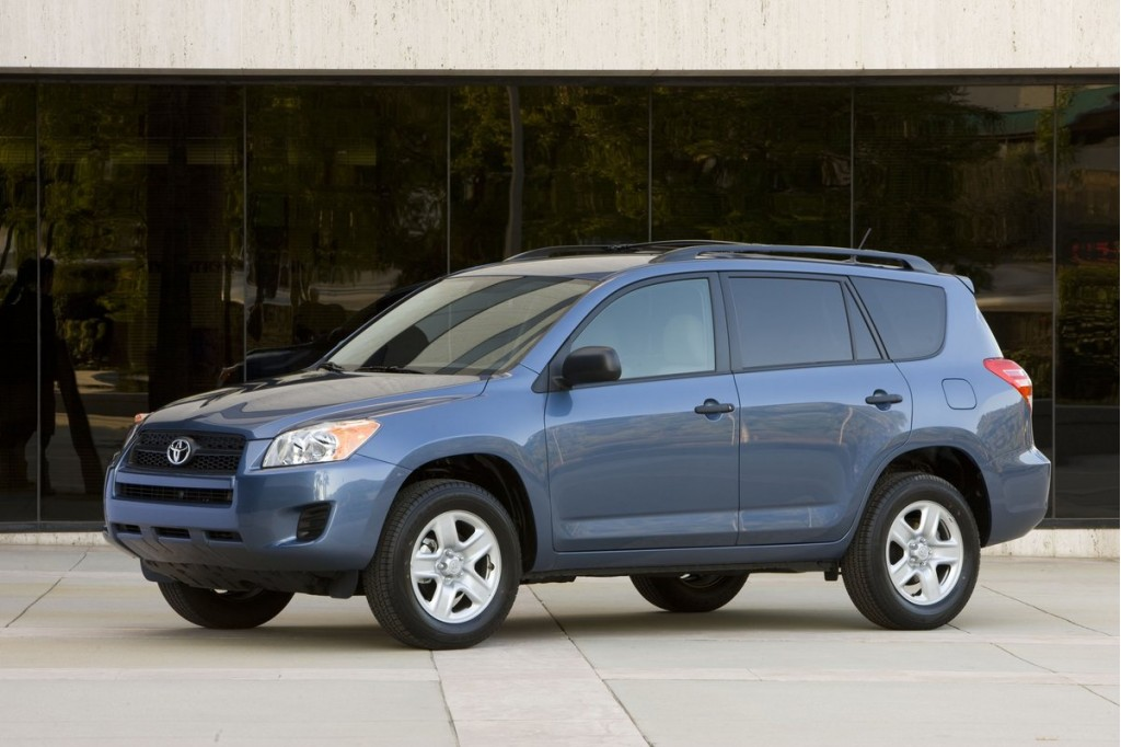 Toyota Recalling 2006-2011 RAV4, 2010 Lexus HS 250h For Rear Suspension Failure
