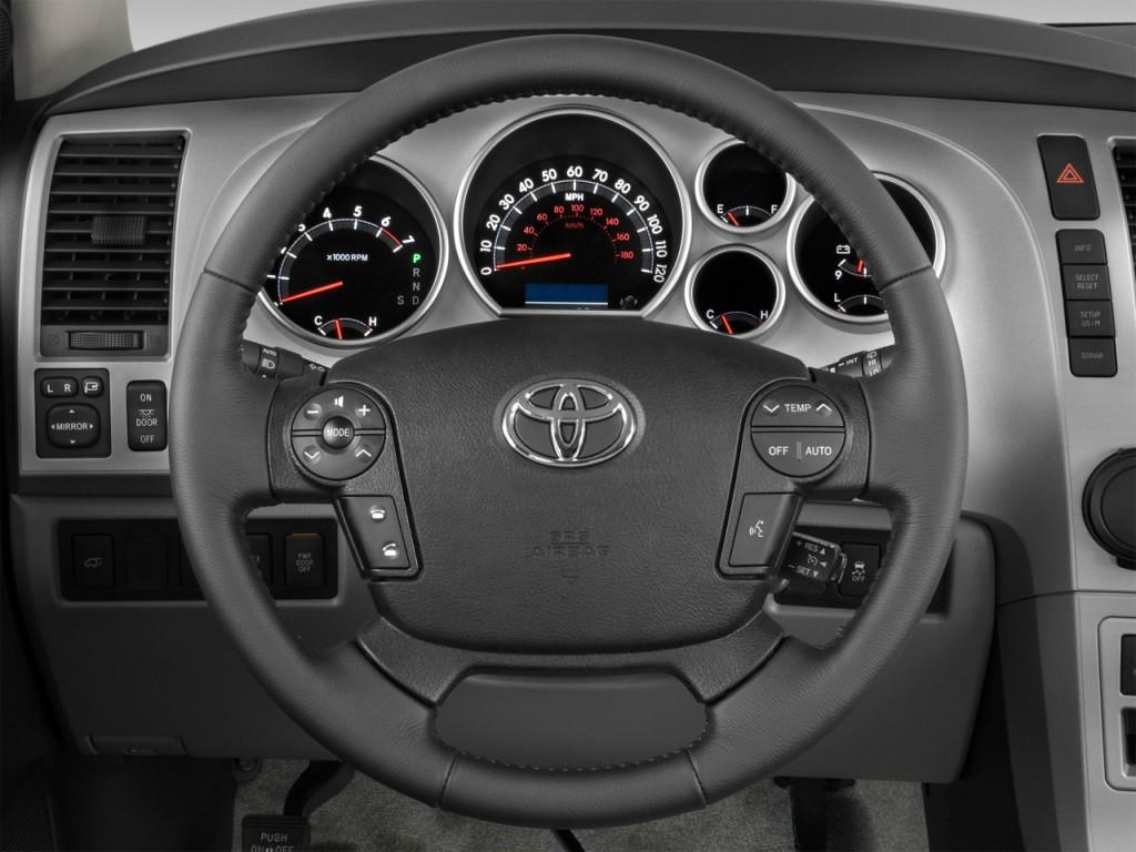 image 2011 toyota sequoia 4wd lv8 6 spd at ltd gs steering wheel size 10. Black Bedroom Furniture Sets. Home Design Ideas