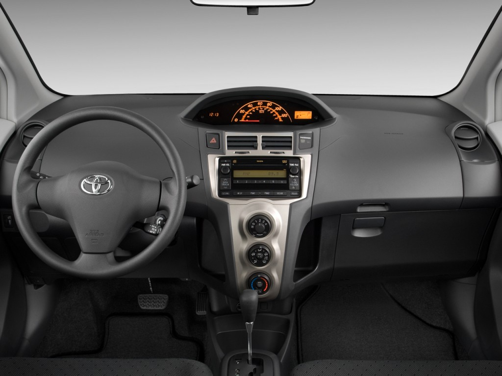 Image 2011 Toyota Yaris 3dr Lb Auto Gs Dashboard Size