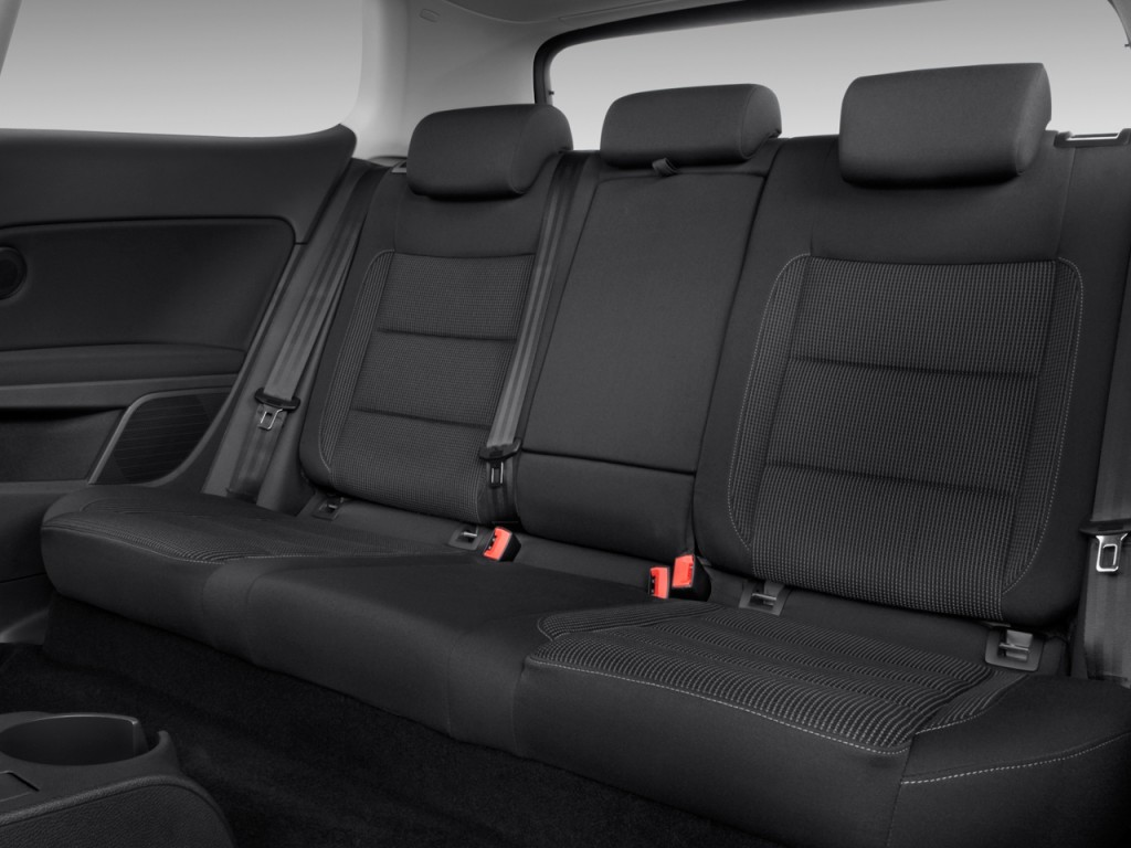 image  volkswagen golf  door hb man rear seats size    type gif posted