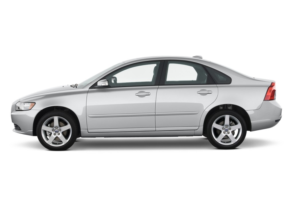 2011 Volvo S40 4-door Sedan Side Exterior View