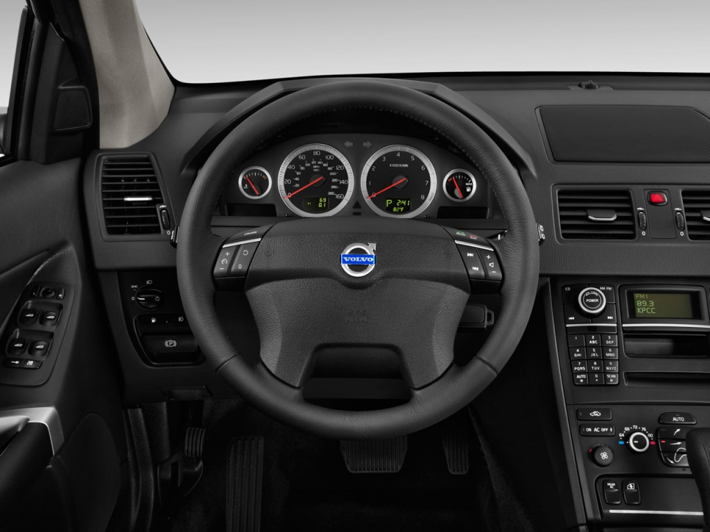 2011 Volvo XC90 FWD 4-door I6 Steering Wheel