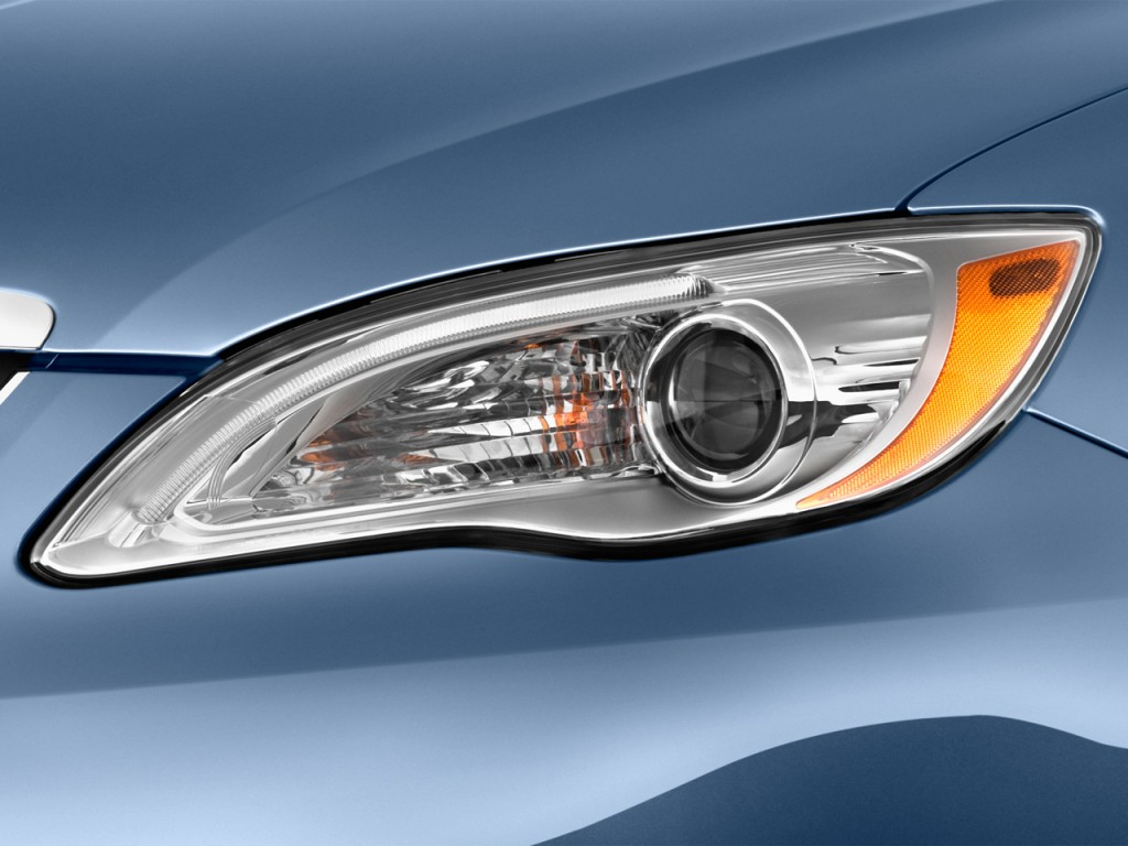 Headlight For  Chrysler Town Country Touring