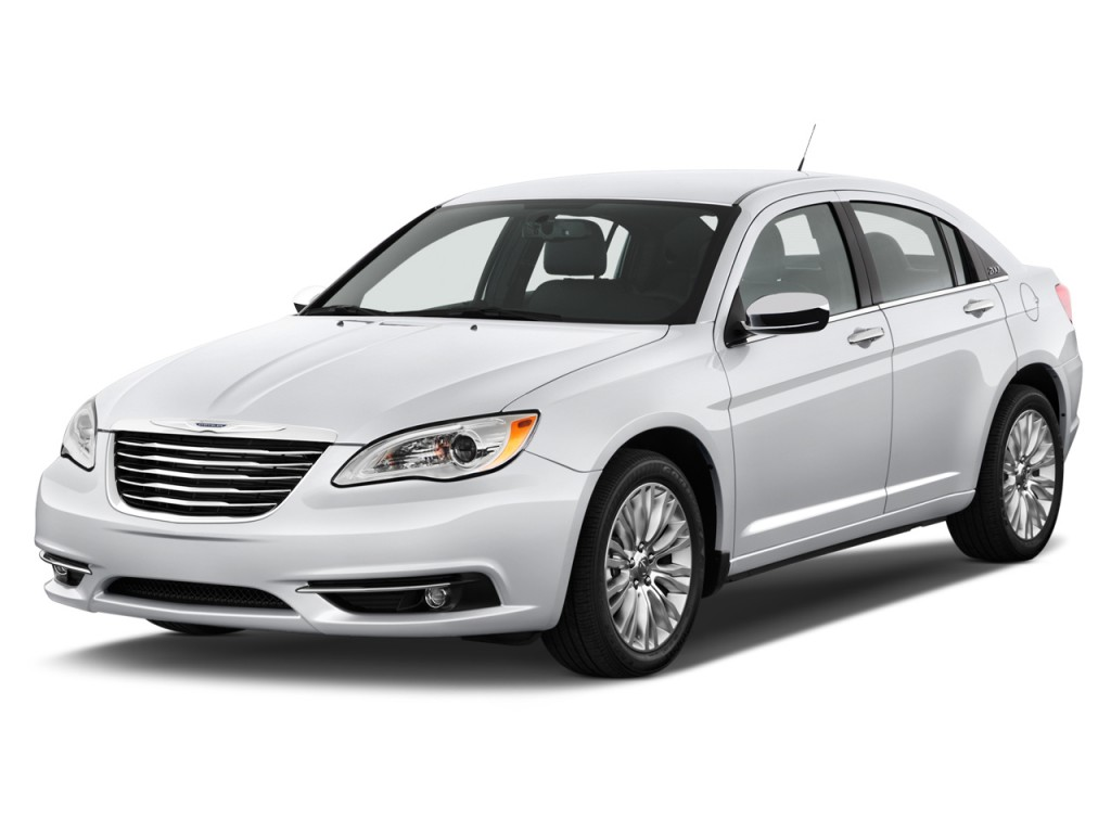2012 Chrysler 200 4-door Sedan Limited Angular Front Exterior View