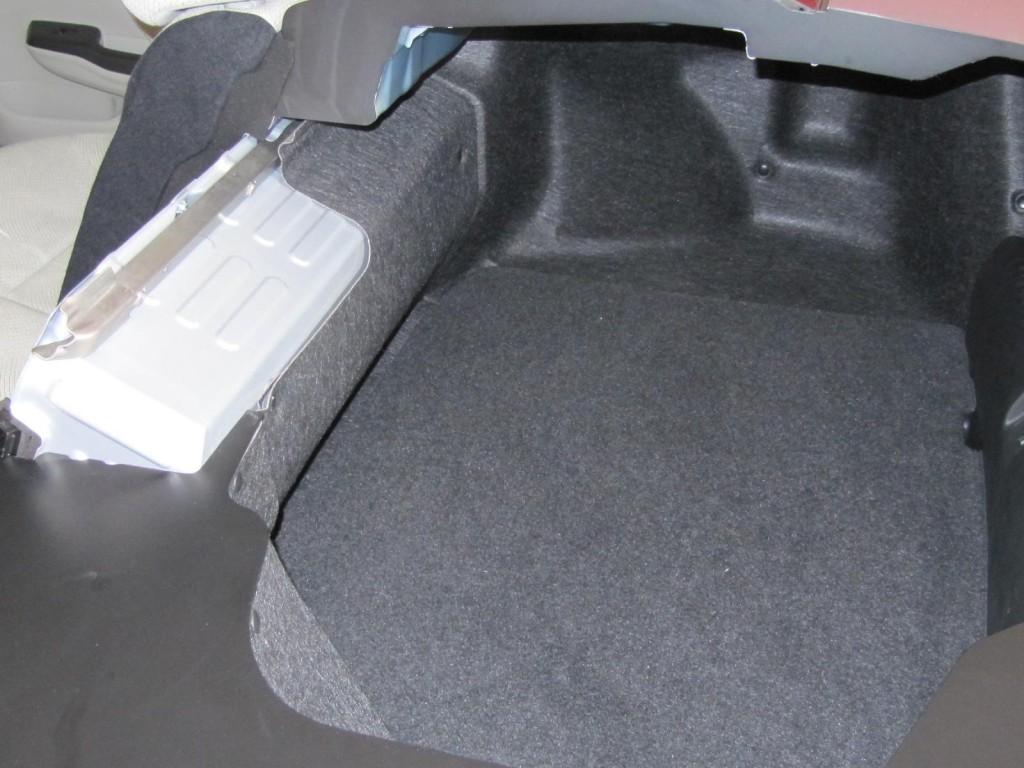 2012 Honda Civic Hybrid - cutaway showing trunk space