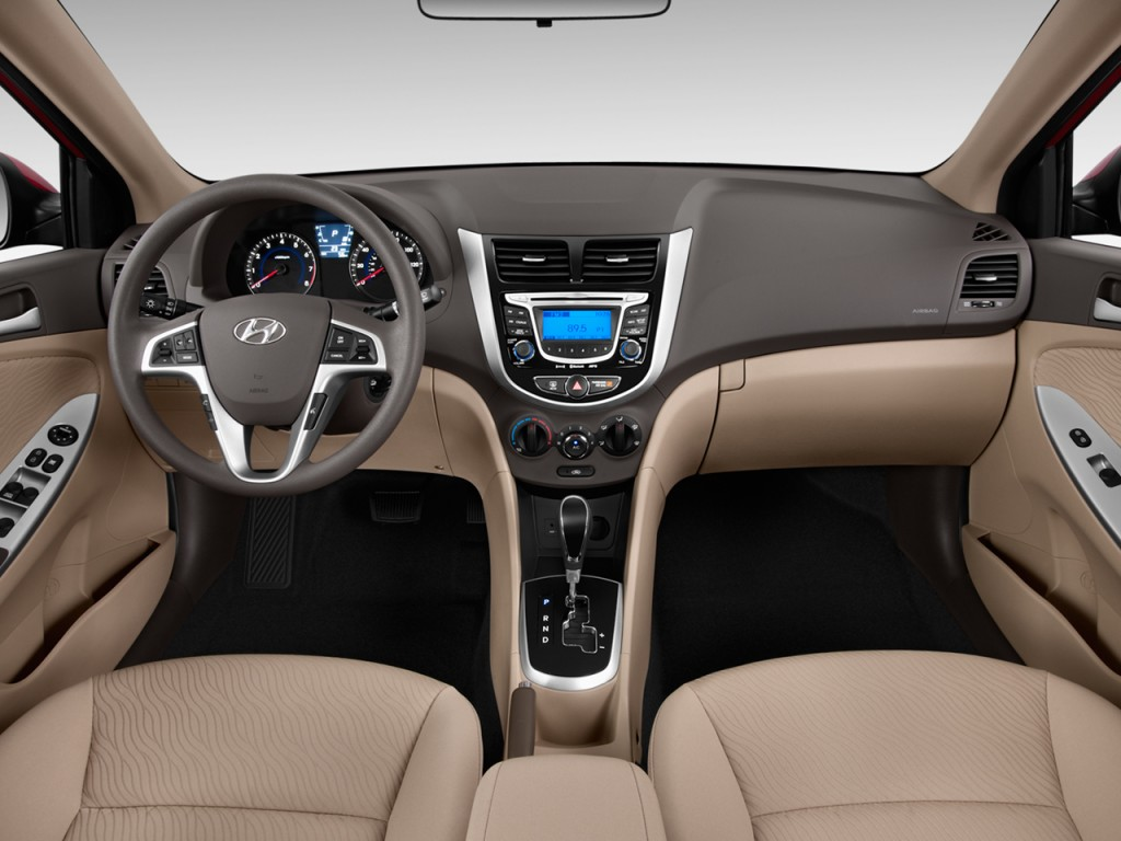 image 2012 hyundai accent 4 door sedan auto gls dashboard. Black Bedroom Furniture Sets. Home Design Ideas