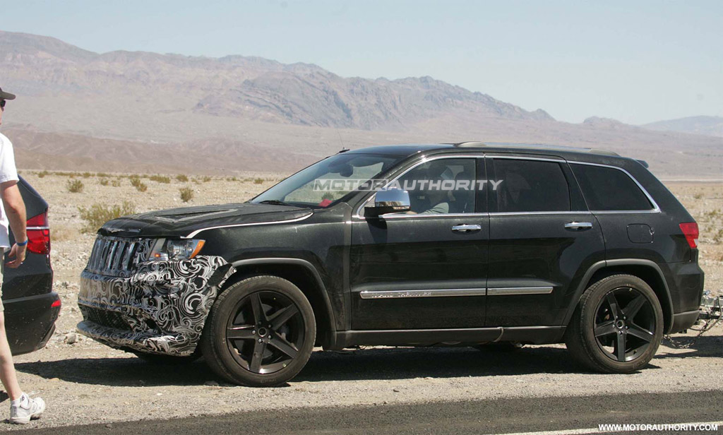 image 2012 jeep grand cherokee srt8 spy shots size 1024 x 616 type. Cars Review. Best American Auto & Cars Review