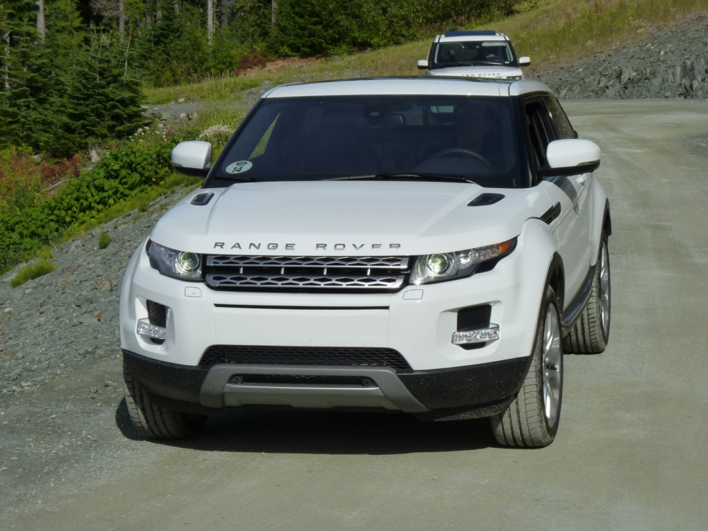image 2012 land rover range rover evoque first drive. Black Bedroom Furniture Sets. Home Design Ideas