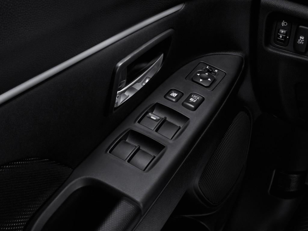 Image: 2012 Mitsubishi Outlander Sport 2WD 4-door CVT SE ...