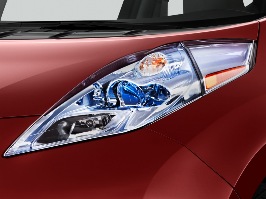 2012 Nissan Leaf 4-door HB SL Headlight