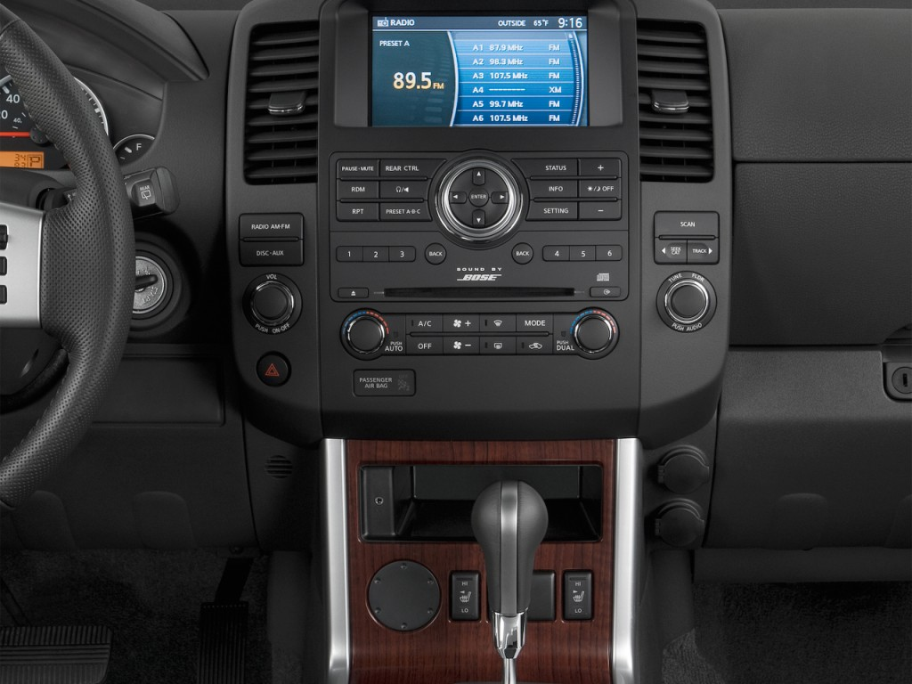 image 2012 nissan pathfinder 4wd 4 door v8 le instrument. Black Bedroom Furniture Sets. Home Design Ideas