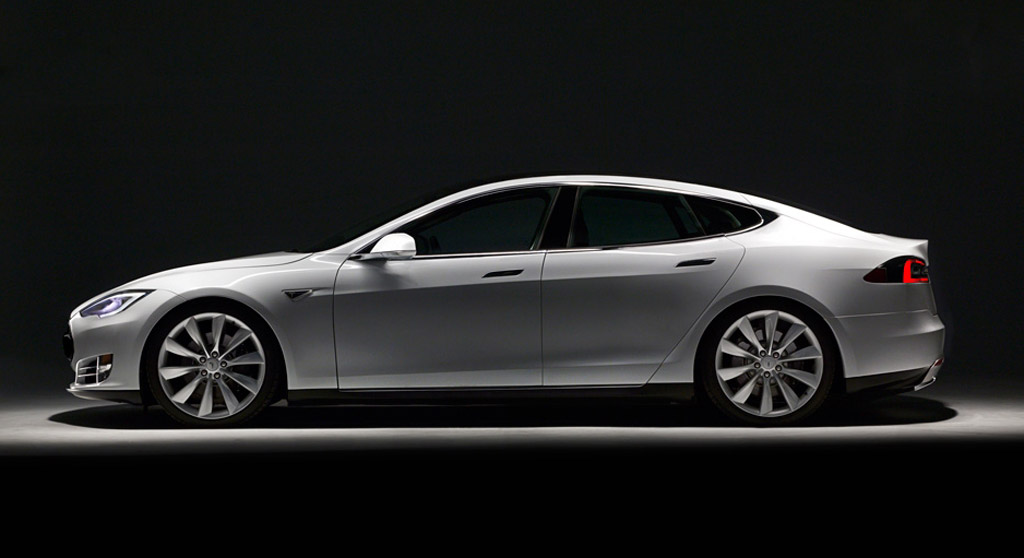 Tesla Reveals Model S Logs, Says New York Times Writer Fudged Facts