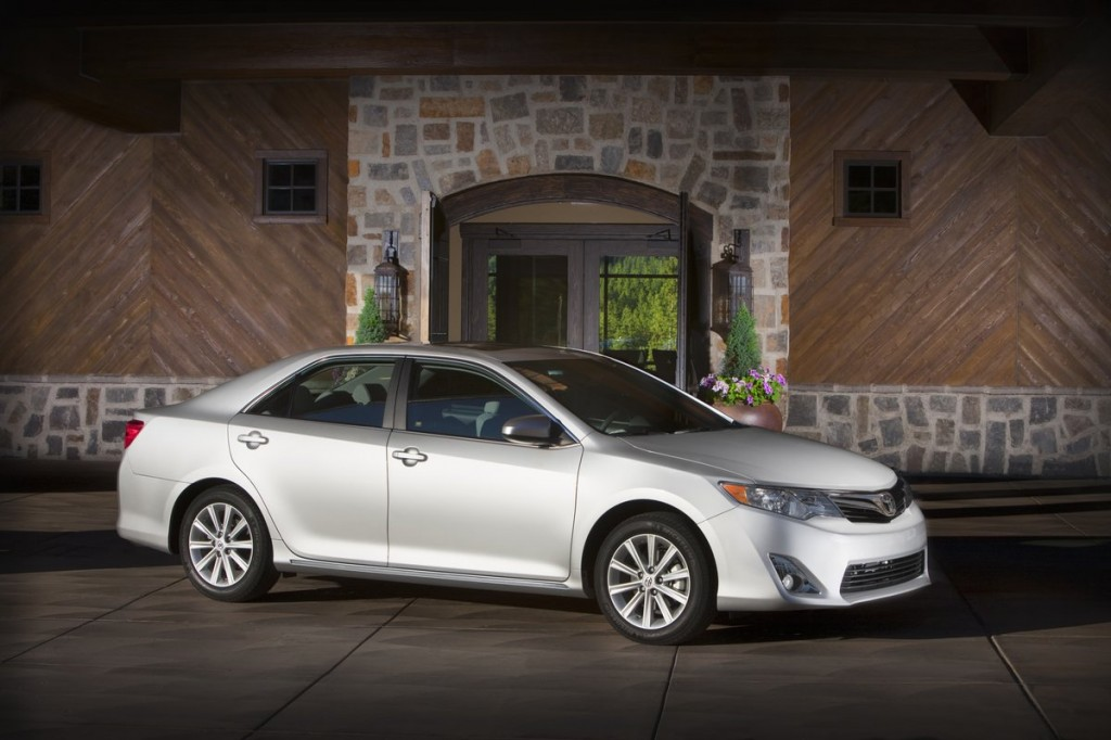 Family Vehicles Dominate IIHS 2012 Top Safety Pick Awards