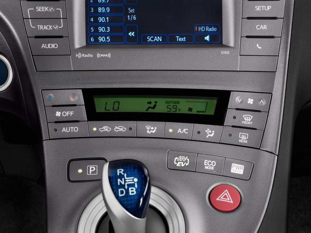 Temperature Controls 2012 Toyota Prius Plug In 5dr HB (SE) #143564