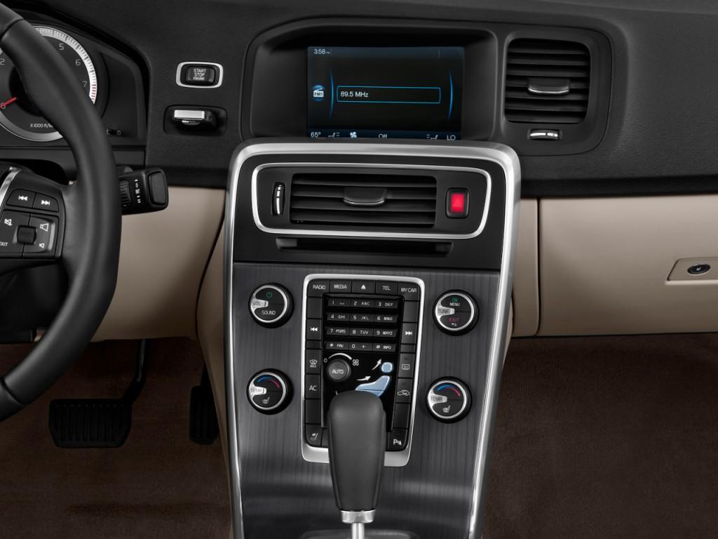 Image 2012 Volvo S60 Awd 4 Door Sedan T6 Instrument Panel