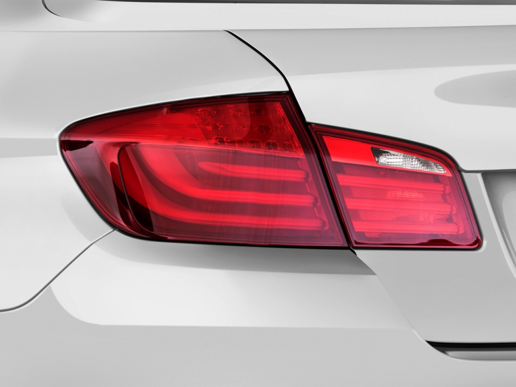 Image 2013 Bmw 5 Series 4 Door Sedan 535i Rwd Tail Light